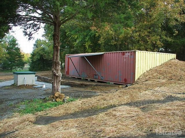 http://fatcats.ru/uploads/posts/2011-07/1311746066_container-house-54.jpg