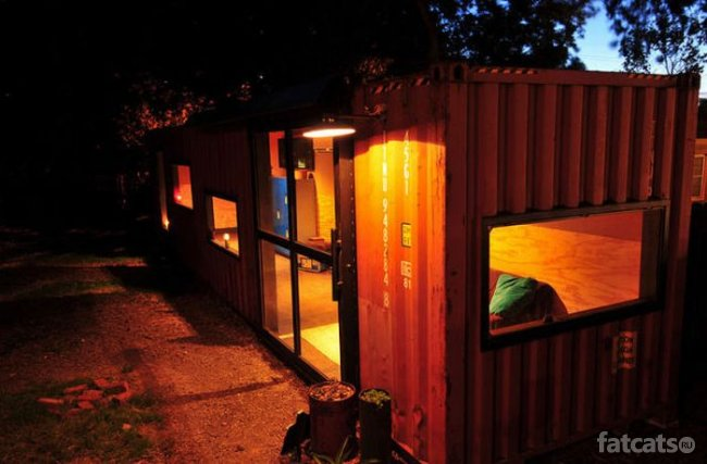 http://fatcats.ru/uploads/posts/2011-09/1315207576_brilliant_cargo_container_04.jpg